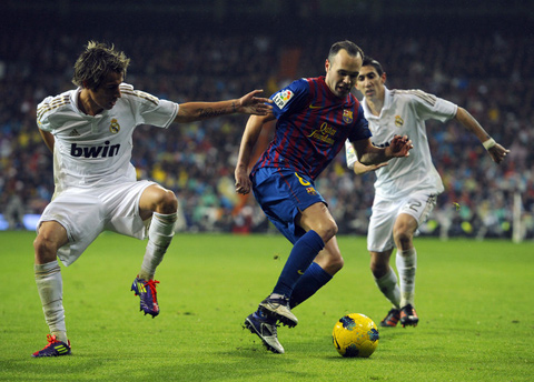 Real Madrid Barcelona Andres Iniesta